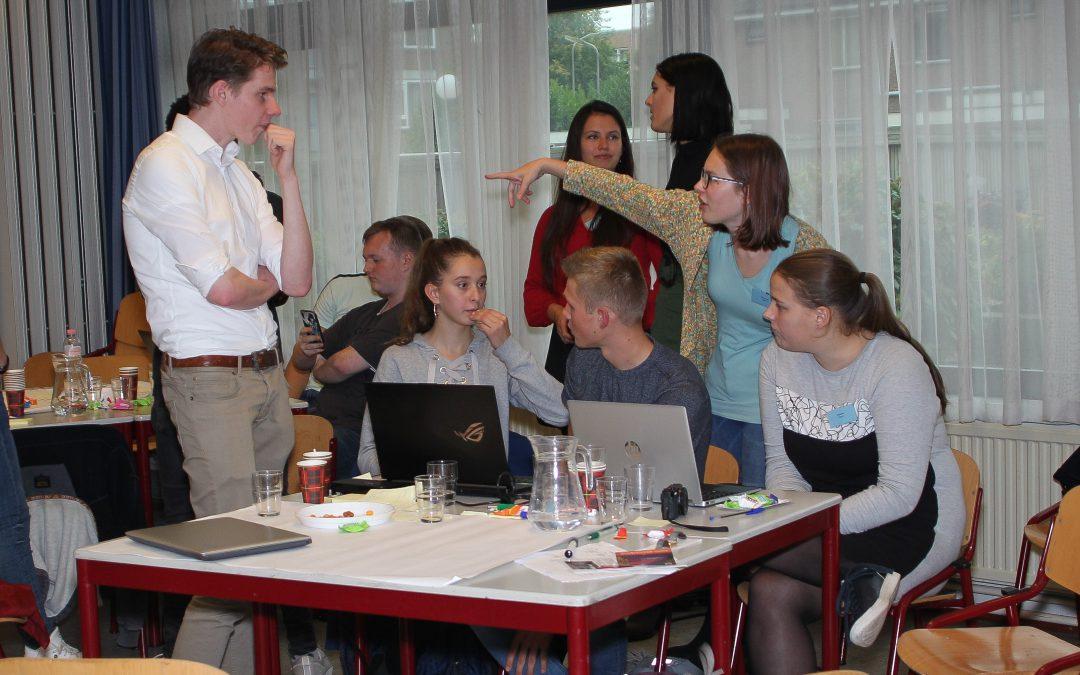 Jongeren actief en vindingrijk bij hackathon