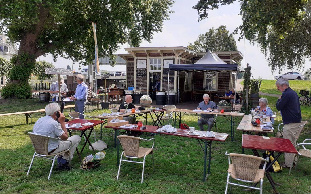 IJsselhuis: Oranjesoep op uitgebreid terras